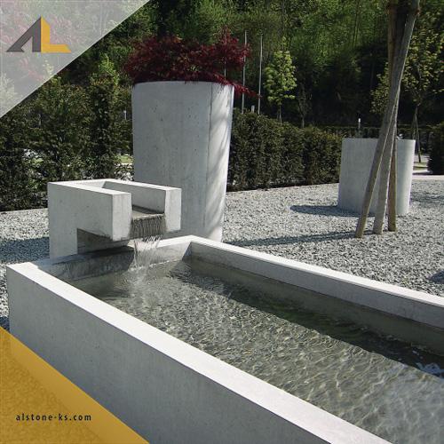Buildup - CREABETON BAUSTOFF AG - INTERMEZZO Brunnentröge - INTERMEZZO Brunnentrog grau 200_90_37 cm, glatt, Innenkante gefast - Bild